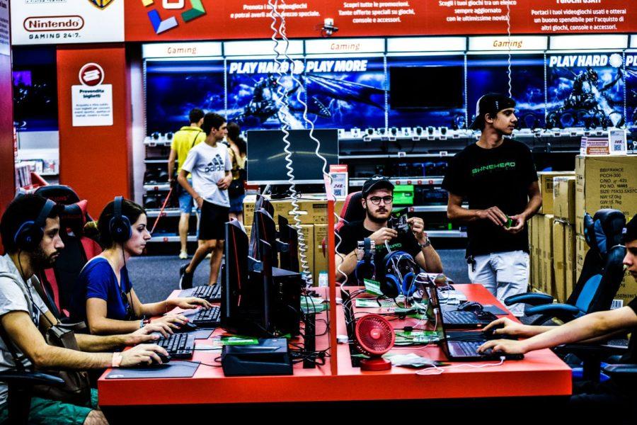 Attività presso MediaWorld Porte di Roma by Bonehead System